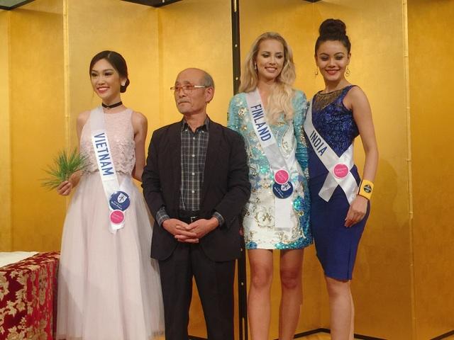 Cuộc thi Hoa hậu Quốc tế đã đi được nửa chặng đường với sự tham gia của 70 đại diện đến từ khắp nơi trên thế giới và rất nhiều hoạt động. Đêm chung kết cuộc thi sẽ được diễn ra vào ngày 27/10 tại Nhật Bản.