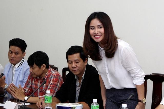 Thảo Trang hiện tại gắn bó nhiều với các đoàn phim. Người đẹp đã dọn ra ở 1 mình và tự chủ về tài chính nhờ công việc diễn xuất.