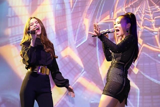 Sự kết hợp của hai giọng hát hàng đầu hiện này cũng làm các khán giả hào hứng và đóng góp nhiệt tình. Cả hai đã thu được 80 triệu chỉ riêng phần song ca đặc biệt này của mình.