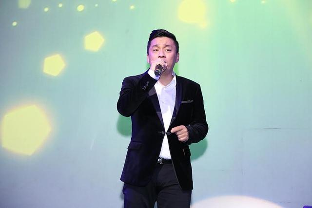Lam Trường làm khán giả xúc động khi nghe lại hit 20 năm của anh - Tình thôi xót xa.