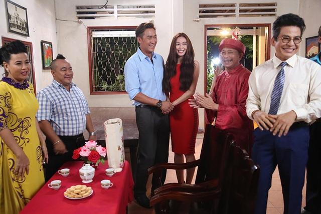 Trong phim còn xuất hiện hàng loạt những gương mặt diễn viên quen thuộc của Việt Nam: Cát Phượng, Hiếu Hiền, Bảo Chung, Thanh Bạch...