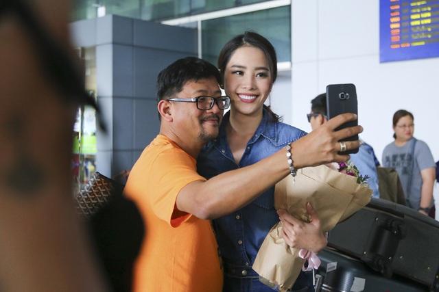Nam Em cười rạng rỡ, được chào đón nồng nhiệt khi về Việt Nam - 4