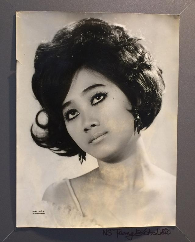Nhìn lại chân dung những mỹ nhân Sài Gòn xưa - 14