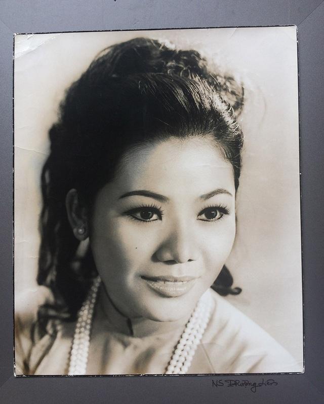 Nhìn lại chân dung những mỹ nhân Sài Gòn xưa - 12
