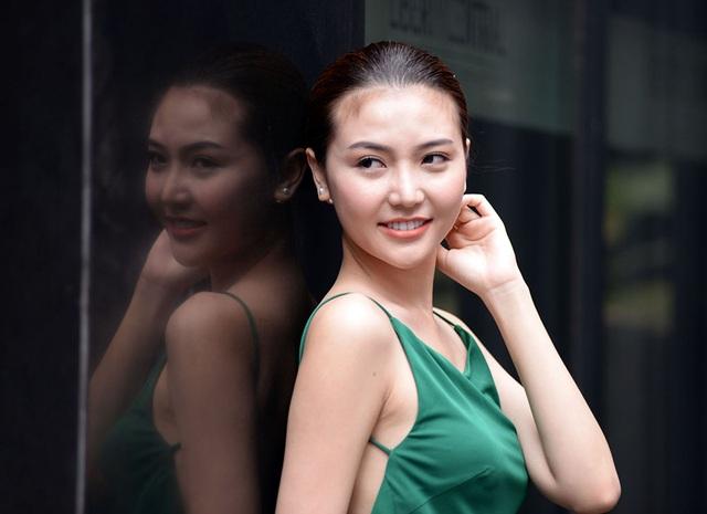 Nữ hoàng sắc đẹp Ngọc Duyên khoe lưng trần gợi cảm - 8