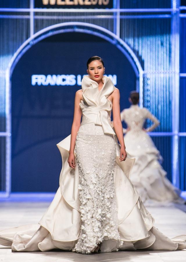 """Người mẫu Nguyễn Oanh """"đụng váy"""" với Hoa hậu Quốc tế Philipines 2016 - 7"""