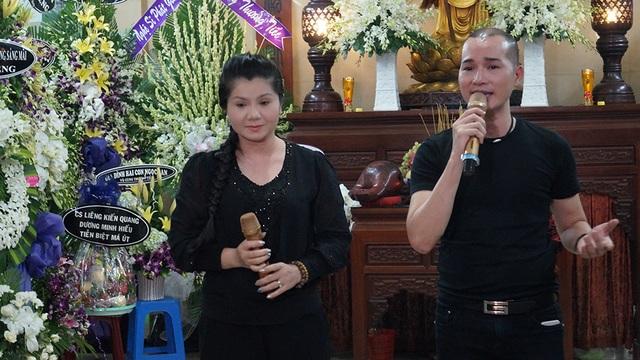 Nghệ sĩ Tú Sương đã hát một ca khúc về kiếp con tằm nhả tơ khi trót vương vào nghiệp cầm ca như cuộc đời nghệ sĩ Út Bạch Lan từng trải qua...