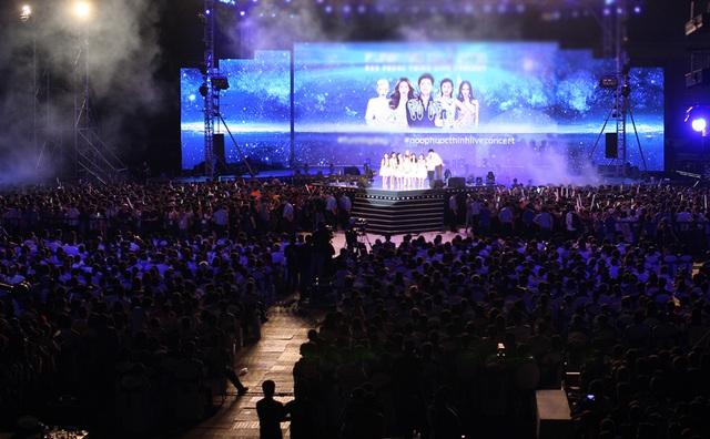 Noo Phước Thịnh nhận được sự ủng hộ của một lượng khán giả hùng hậu lên đến 35 ngàn người. Sân vận động Quân khu 7 gần như không còn chỗ trống