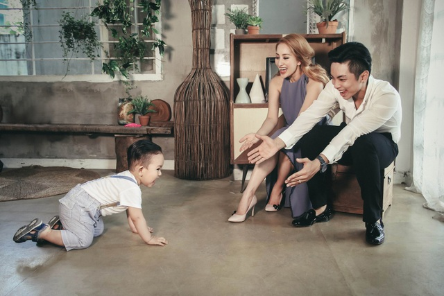 Khánh Thi - Phan Hiển ngày càng hạnh phúc bên con trai Kubi, kết quả của một tình yêu vượt lên tất cả