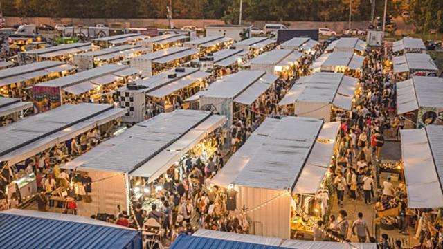 Hội chợ cực kì hoành tráng này kéo dài trong 3 ngày, bắt đầu từ hôm Black Friday, 25/11.