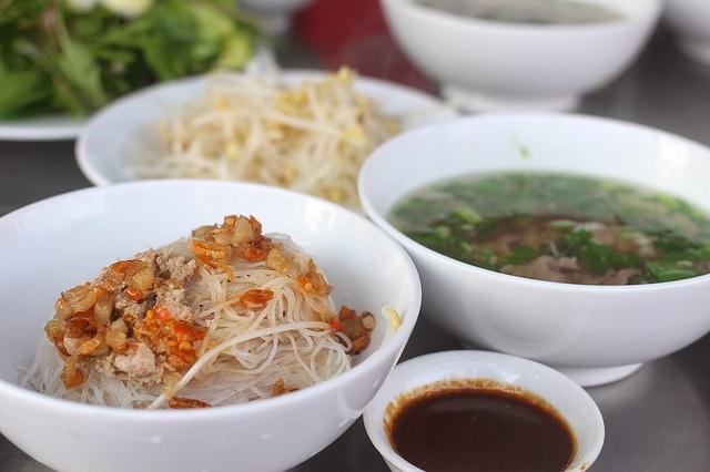 Sài Gòn cuối tuần: Món ăn miền cao giữa lòng Sài Thành - 1