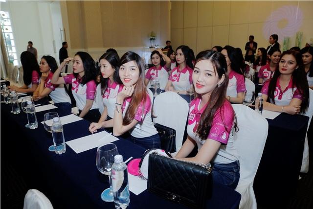 """30 nữ sinh vào chung kết """"Nữ SV Việt Nam duyên dáng 2016"""" hội quân - 2"""