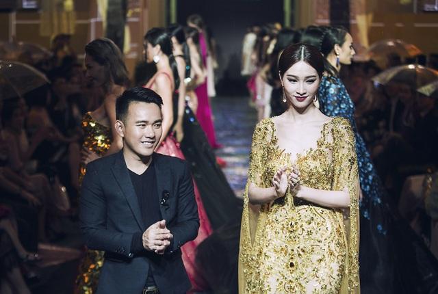 Hoa hậu Đặng Thu Thảo chia sẻ, cô rất hồi hộp khi nhận lời làm vedette vì chưa có nhiều kinh nghiệm catwalk. Thế nên hoa hậu Việt Nam 2012 đã mất cả tháng để chuẩn bị cho tiết mục trình diễn này của mình.