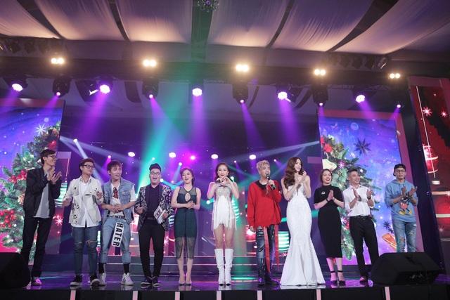 Khép lại đêm nhạc, Bùi Anh Tuấn đã thật sự ghi dấu ấn thành công với đêm nhạc kỷ niệm 5 năm ca hát và bắt đầu một hành trình mới đầy hứa hẹn.