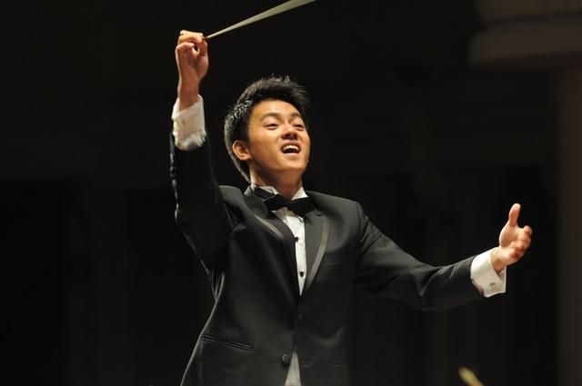 Nhạc trưởng Trần Nhật Minh