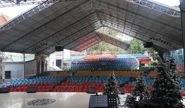 Chắc hẳn từ vị trí sân khấu này, rất nhiều nghệ sĩ đã được khán giả yêu thương và ủng hộ...