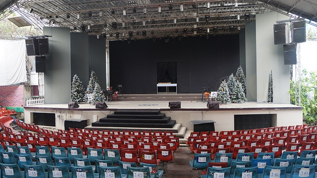Sân khấu một thời hoàng kim của nhiều nghệ sĩ rồi cũng chỉ còn trong ký ức