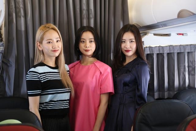 Chân dung những cô gái đến từ nhóm nhạc WG đình đám trước khi có mặt tại sân bay Tân Sơn Nhất