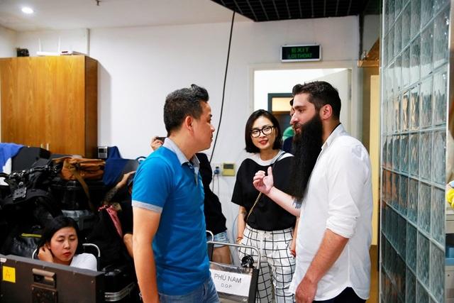 Đạo diễn phim Kong đến phim trường thăm Ngô Thanh Vân - 4
