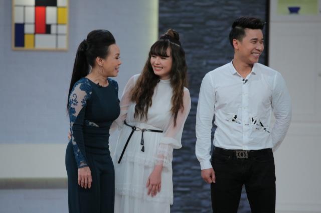 Bà xã Lê Hoàng khiến Việt Hương bất ngờ khi khoe dáng nuột nà dù mới sinh con thứ 2 được 3 tháng.