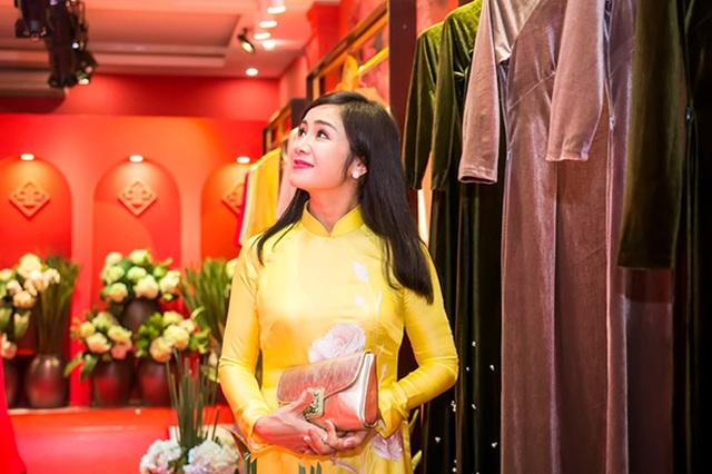 Khi dòng phim thị trường thoái trào, Thu Hà trở về thủ đô, tiếp tục công tác tại Nhà hát kịch Hà Nội. Cô hoạt động nghệ thuật âm thầm, lặng lẽ, thỉnh thoảng tham gia đóng phim.