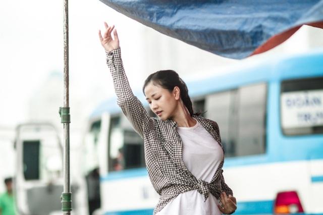 Vào cuối tháng 5, bà mẹ một con gây xôn xao dư luận khi công khai quyết định thẩm mỹ, quá trình nâng mũi, nâng ngực được diễn ra tại Hàn Quốc. Sau 22 ngày sau cuộc phẫu thuật, Maya đã chia sẻ tiếp hình ảnh gương mặt gần như hoàn chỉnh của mình.
