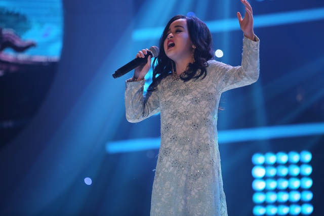 """Hiền Thục tấm tắc khen ngợi: """"Cô Thanh Lam sở hữu giọng hát rất dày và nội lực, để hát giống với giọng hát của một Diva cực kỳ khó. Nhưng con đã làm được không chỉ trong giọng hát mà bởi ngoại hình """"y như đúc""""."""