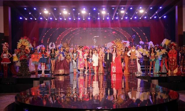 Trong đêm thi, một số thí sinh đã hoàn thành rất tốt phần thi trang phục của mình và để lại nhiều ấn tượng đẹp trong lòng khán giả trong và ngoài nước
