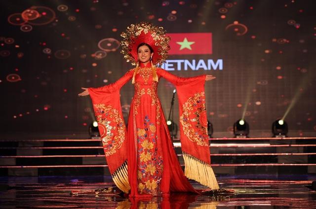 Mãn nhãn với trang phục dân tộc của thí sinh Miss Grand International 2017 - 2