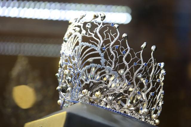 Đây là chiếc vương miện có giá trị cao nhất từ trước đến nay của các cuộc thi hoa hậu.