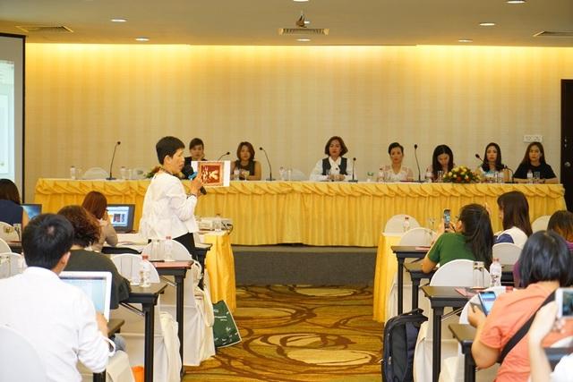 Các thành viên trong cuộc họp báo cũng đã làm rõ hơn các vấn đề đã được nêu lên trước đó và cũng đưa ra thêm một số thông tin có liên quan.