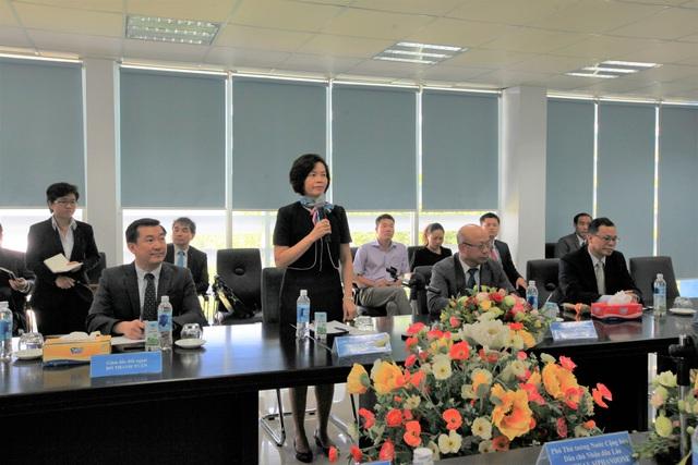 Bà Bùi Thị Hương – Giám đốc Điều hành Vinamilk phát biểu tại buổi làm việc.
