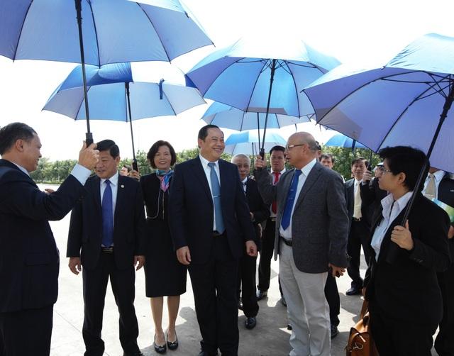 Phó thủ tướng Lào thăm và làm việc với Vinamilk - 4