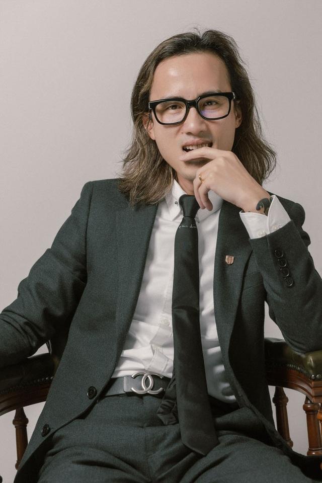 """Tạ Quang Huy: Từ chàng trai mất gốc tiếng Việt trở thành quý ông """"văn hay, chữ tốt"""" - 1"""
