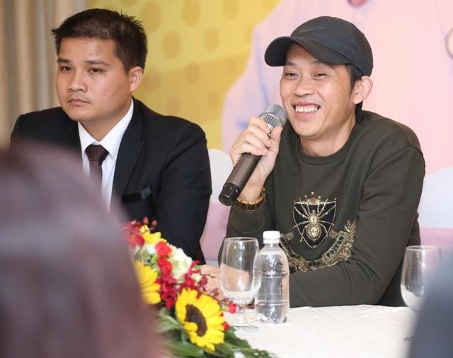 """Danh hài Hoài Linh: """"Tôi đang sợ bị lên cân, khán giả nhìn không ra"""" - 1"""