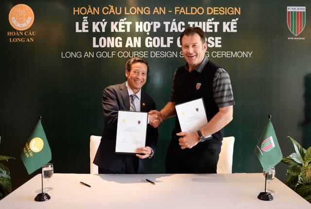 Có mặt tại buổi ký kết, ông Phan Đình Tân - Tổng giám đốc Tập đoàn Hoàn Cầu và ông Nick Faldo Đại diện công ty Falco Design cùng thực hiện nghi lễ ký kết hợp tác. Faldo Design là công ty thiết kế sân golf quốc tế từng đoạt nhiều giải thưởng, đã thiết kế hàng trăm sân Golf nổi tiếng thế giới, được thành lập bởi ông Nick Faldo – tay golf thành công nhất trong lịch sử golf châu Âu và cựu vô định Thế giới.