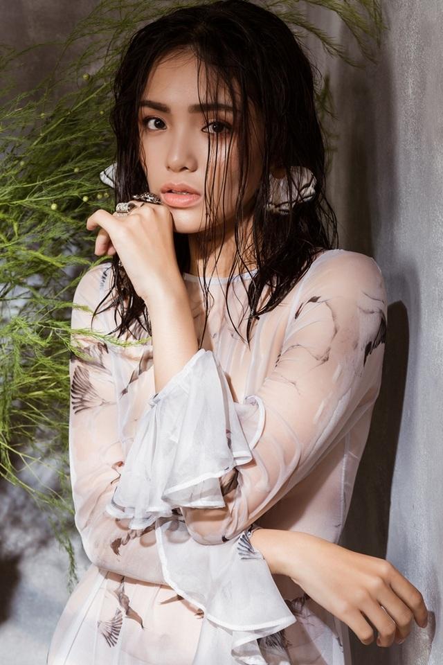 Quay trở lại nghệ thuật được một thời gian ngắn, Nhật Hạ bất ngờ kết hôn và tạm gác lại sự nghiệp diễn xuất của mình dù mới quay trở lại showbiz.