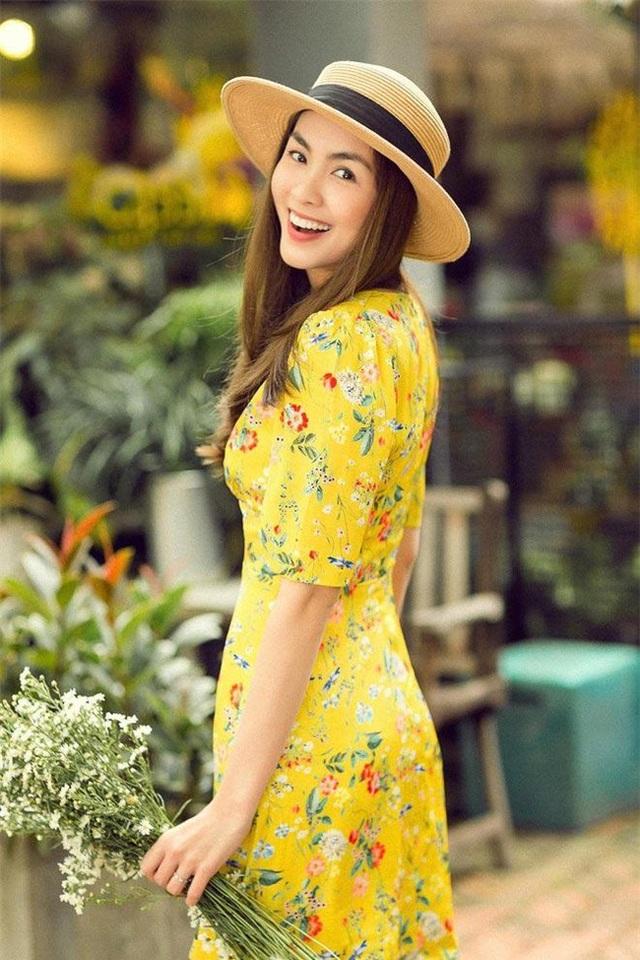 Trong suốt khoảng thời gian làm mưa làm gió trong showbiz Việt, ngọc nữ Tăng Thanh Hà luôn được nhớ đến với hình ảnh thanh lịch và nữ tính. Mỗi lần xuất hiện, cô đều trở thành tâm điểm với vẻ ngoài lôi cuốn cùng phong thái đầy thu hút.