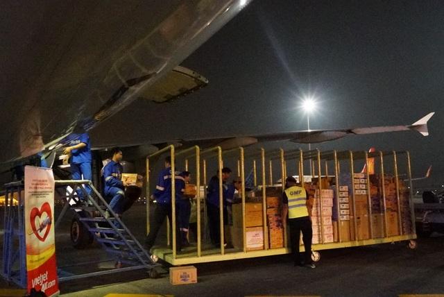 Vietjet khẩn trương hoạt động cứu trợ nạn nhân động đất - sóng thần Indonesia ngay trong đêm - 2
