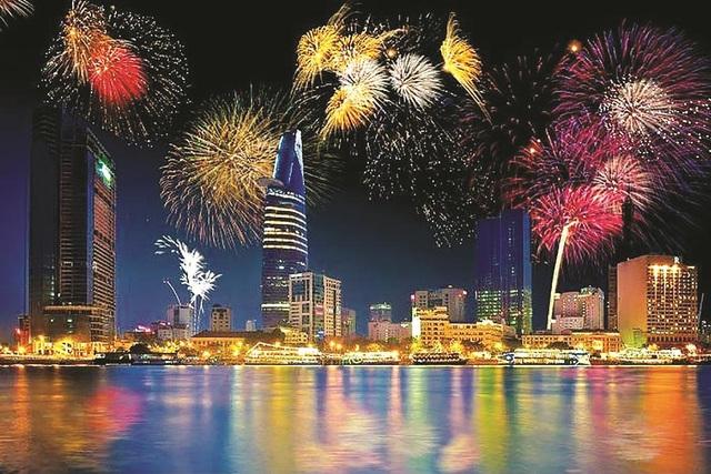 Đi đâu, xem gì ở Sài Gòn trong thời khắc chào đón năm mới 2019?  - Ảnh 1.