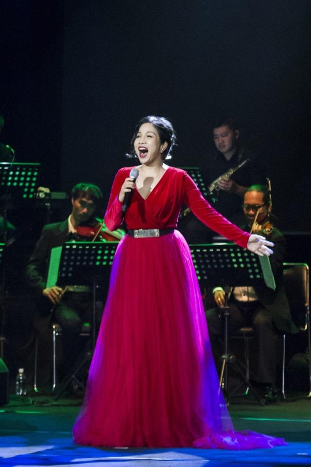 Dàn diva Thanh Lam, Hồng Nhung, Mỹ Linh tham dự liveshow cuối cùng của nhạc sĩ Dương Thụ - Ảnh 10.