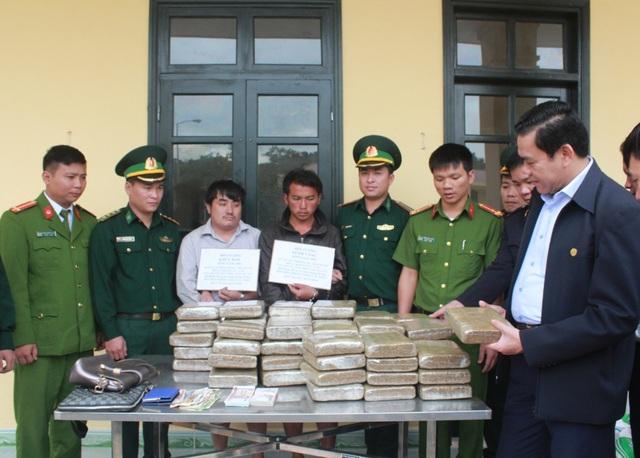 2 đối tượng người Lào cùng 60kg cần sa vừa bị bắt giữ