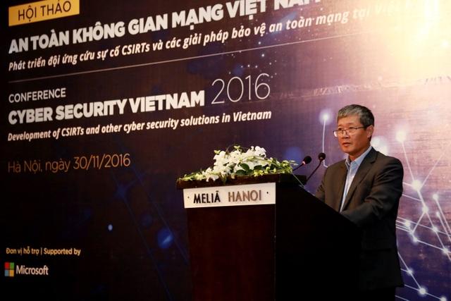 Thứ trưởng Bộ Thông tin và Truyền thông Nguyễn Thành Hưng phát biểu khai mạc hội thảo