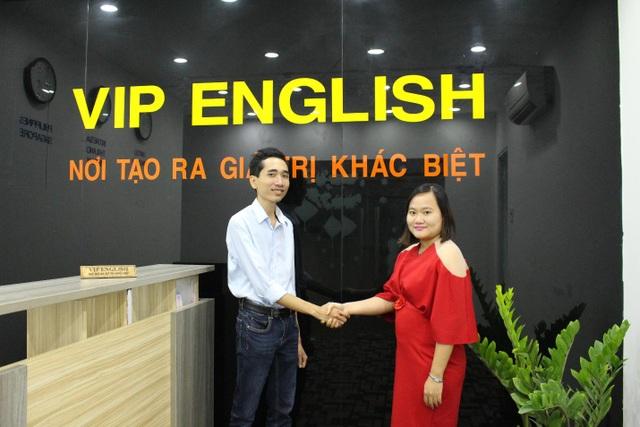 Anh Đặng Vũ Quang Thái và chị Nguyễn Thúy Hằng - đồng sáng lập VIP English.