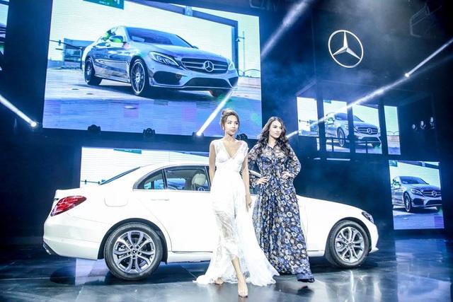 Show diễn quy tụ những sản phẩm xe mới, trung bày và giới thiệu những sản phẩm xe đang bán chạy, cùng nhiều chương trình tư vấn mua hàng và lái thử dành cho khách hàng.