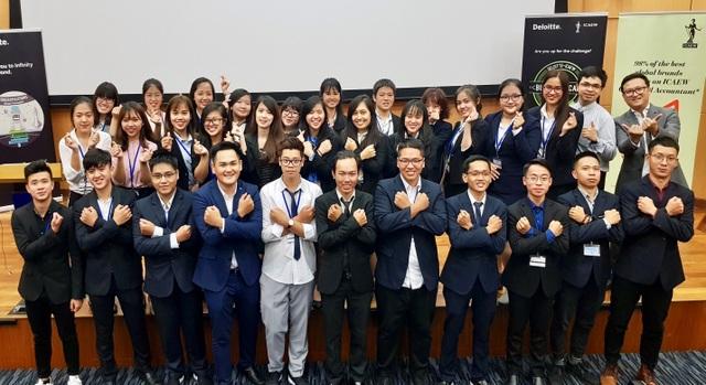 Hải may mắn được ICAEW Việt Nam lựa chọn là một trong số 30 học viên CFAB tiêu biểu từ Việt Nam và Indonesia tham dự chương trình học tập, giao lưu và trải nghiệm nghề nghiệp tại Singapore hè vừa qua