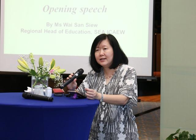 Bà Wai San Siew – Giám đốc đào tạo khu vực Đông Nam Á, ICAEW phát biểu mở đầu cuộc hội thảo