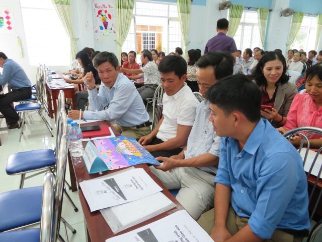 Hoạt động tập huấn cho cán bộ, giáo viên được triển khai tại 10 tỉnh thành