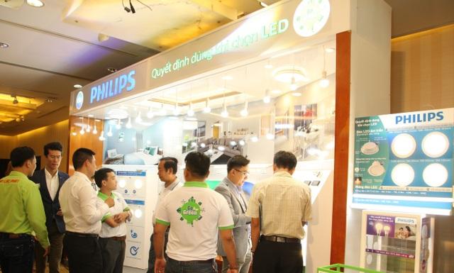 Giới kinh doanh chiếu sáng tại TP.HCM quan tâm đến đèn LED thông minh