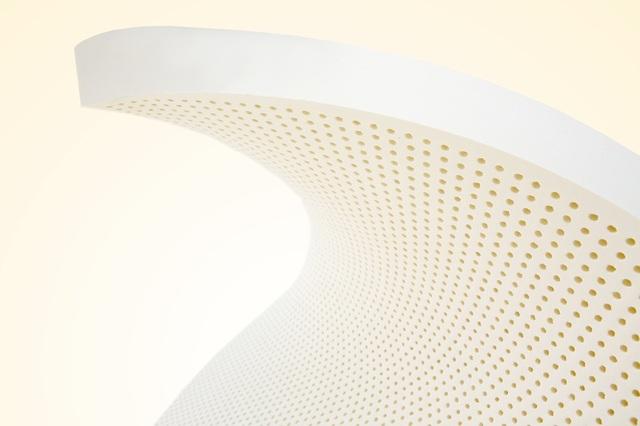 Nệm cao su thiên nhiên Classic có màu trắng 100% tự nhiên, được chứng nhận an toàn cho người dùng